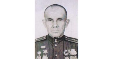 В свет вышел сборник фронтовых рассказов Петра Холомеева